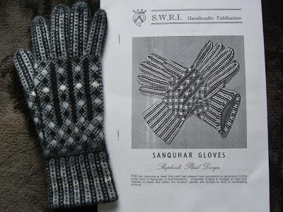 SWRI sanquhar glove