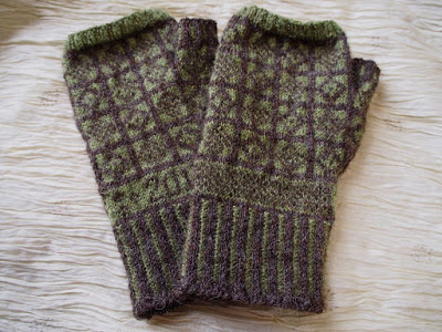 sanquhar pattern fingerless glove