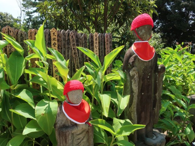 高徳寺のお地蔵さん毛糸の帽子